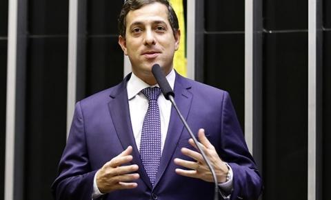 Gervásio Maia elogia João Azevêdo e diz que Ricardo Coutinho não vai decidir sozinho sobre candidatura