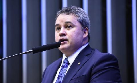 Efraim Filho destina 6 milhões em recursos para saúde e infraestrutura na Paraíba