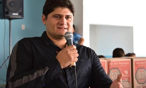 CARA DE PAU: Prefeito decreta aumento de seu próprio salário e da vice, em município da Paraíba