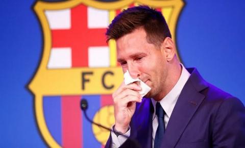 ASSISTA: Emocionado, Messi se despede do Barcelona e despista sobre PSG: 'Não tenho nada fechado'