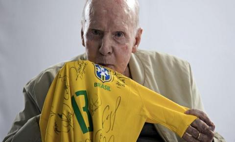 Zagallo completa 90 anos e tem vida narrada em documentário da Fifa; assista