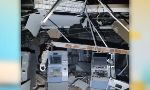 Bandidos explodem agência bancária no sertão