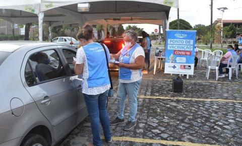 João Pessoa amplia locais de vacinação para D2 da Astrazeneca e segue com D3 para 63 + e D1 a partir dos 12 anos com comorbidades