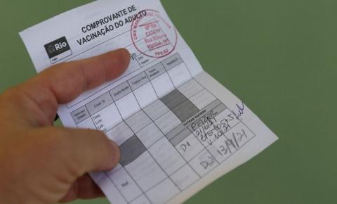 Com vetos, Governador João Azevêdo sanciona lei do passaporte da vacina
