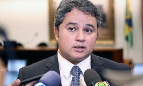 Efraim comenta crise econômica no Brasil: