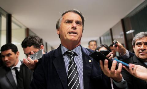 Bolsonaro tenta explicar 'nova CPMF' de Paulo Guedes