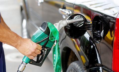 Petrobras reduz o preço da gasolina pela terceira vez esta semana