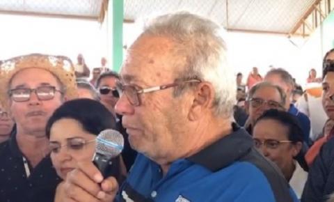 No velório, ex-prefeito chora e pede perdão por ter matado filho: 'Não tive culpa'