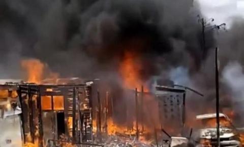 Incêndio destrói pelo menos cinco barracos em comunidade de João Pessoa