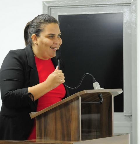 Luciene de Fofinho propõe sessão especial para debater pauta dos profissionais de Enfermagem da Prefeitura de Bayeux