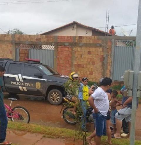 Mãe esfaqueia e mata homem que tentou estuprar seu filho de 10 anos